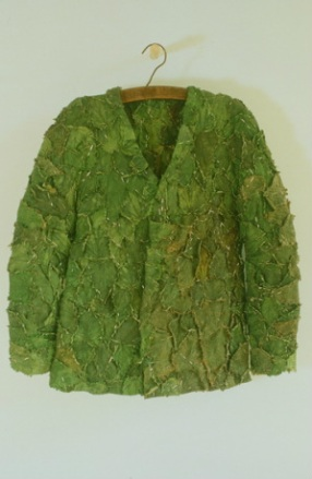 Alice Maher, Nettle coat, 1995