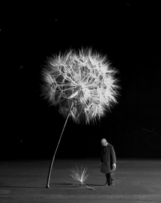 WHEN THE WIND WILL COME by Gilbert Garcin 2007